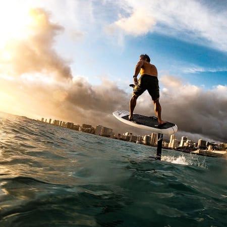 Lift efoil la tavola da surf con motore elettrico - Tavola da surf con motore ...