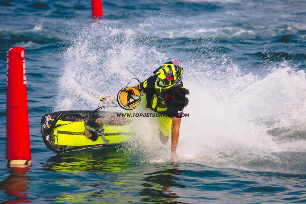 Jetsurf race la tavola da surf con motore in italia - Tavola da surf a motore ...
