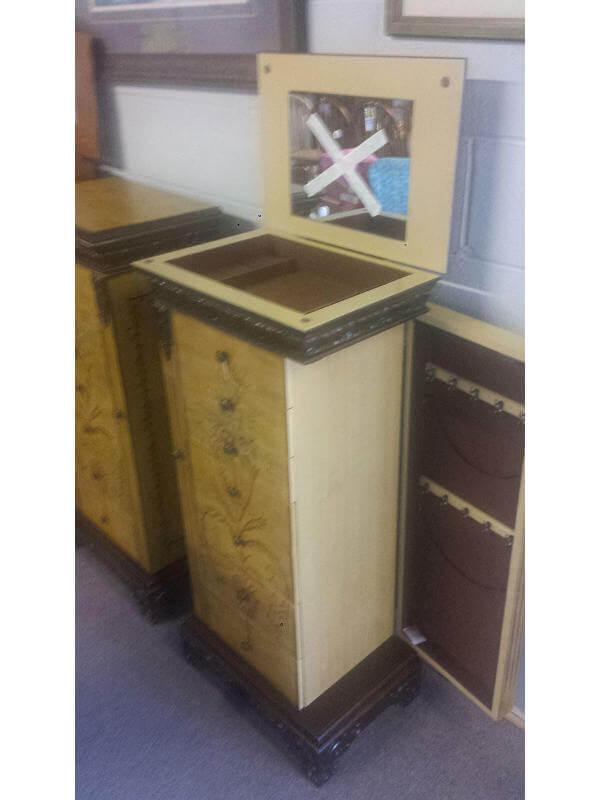 Jewelry Box Example