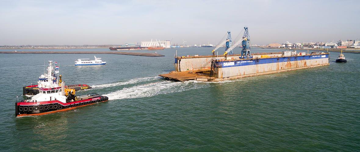ISA & DUTCH POWER towing Damen's DOCK 3 to Rotterdam