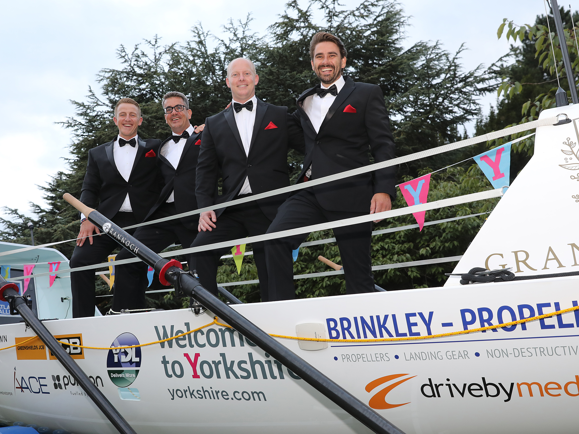 Intrepid rowers take on the Atlantic in aid of military charities