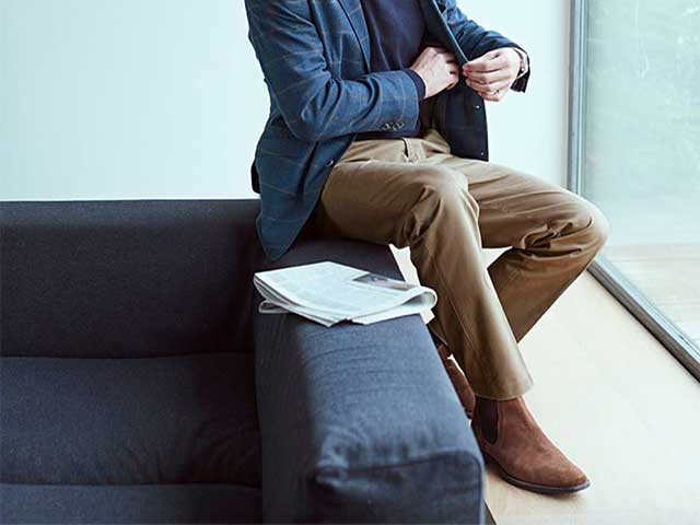 Khaki Pants with Black Shoes: 3 Winning Combinations and Tips