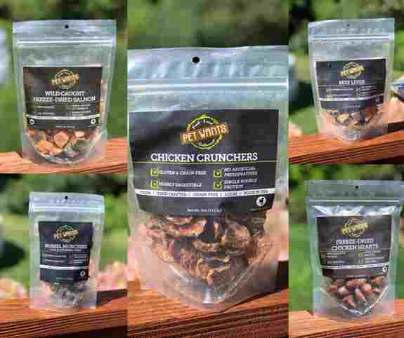 We use only best ingredients in our treats. Fresh caught, freeze dried salmon with the skin on for extra Omega 3s and 6s. Mussels, blueberries and kelp are the perfect healthy treat to promote healthy mobility. And so much more...