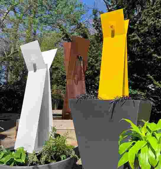 MIDI-MOD X3 in Yellow and White Powdercoated Stainless Steel. X1 MODfountain in Corten Steel.