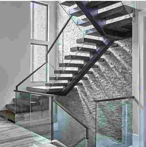 """Steel Mono stringer stair with 4"""" White oak treads and glass"""