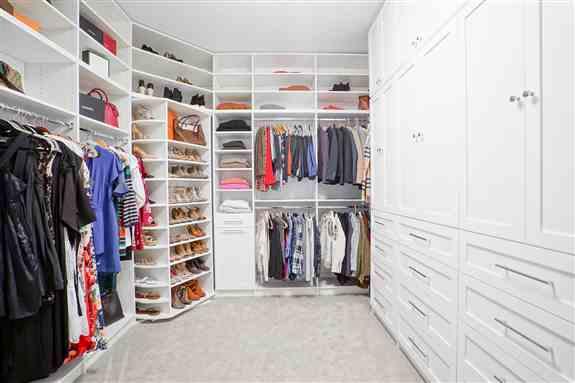 Classic White, Walk-In Closet