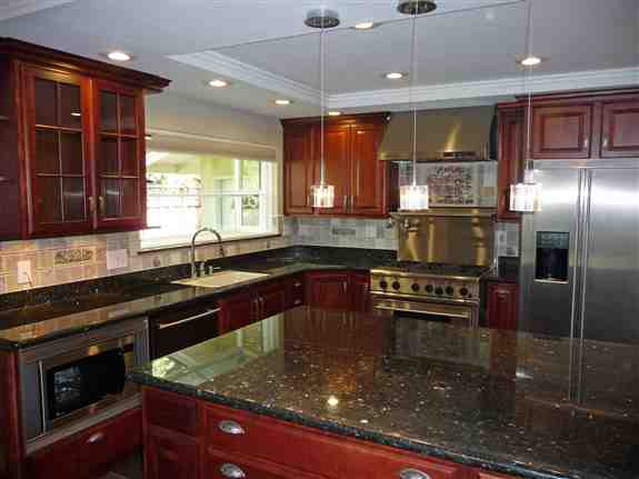 From Granite to Quartz we can cover your counters with the best surfaces such as SileStone, Cambria, and No Stain Granites