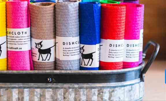 A beautiful assortment of fresh, vibrant colors to match  your kitchen decor. Or match the colors in your bathroom when you use the Swedish dish cloth to wipe your mirrors or bathtub.