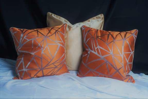 Dani pillows