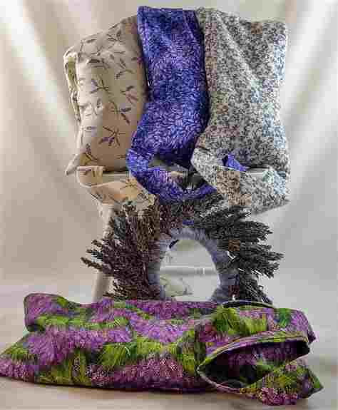 Handcrafted and filled with lavender buds, flaxseed and rice, the Lavender Neck~Body Wrap conforms to your body's contours to relax and soothe aching muscles. Warm it in the microwave and the Lavender Neck~Body Wrap will ease away tension and relax you wi