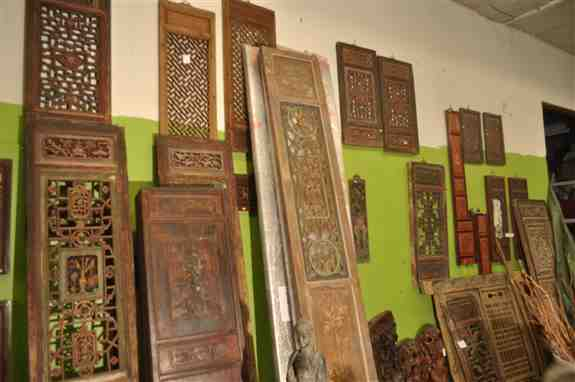 Hand carved panels, and window coverings all from the 1800's.  Princess Trading has the largest collection on the west coast.  China has closed the doors on any export of these pieces since 2016.  Please call 253-208-8830 or email jlabrache@comcast.net to