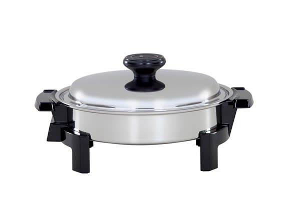 Electric Skillet with Oil Core for heat distribution.
