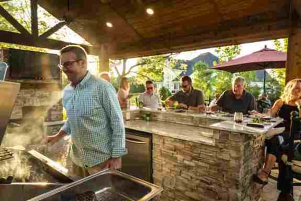 Enhance your backyard with an outdoor kitchen and become a favorite hangout destination for friends and family every weekend. Acquire more shaded seating for hot days with a covered structure or pergola.