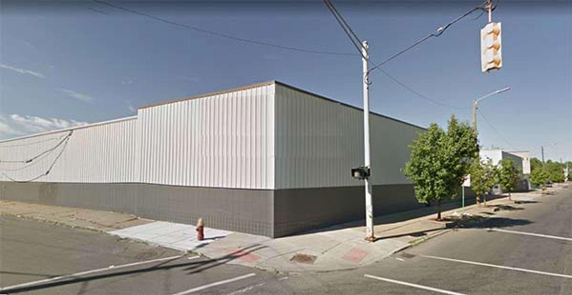 Industrial Detroit, 48210 - 5981 W. Warren Avenue