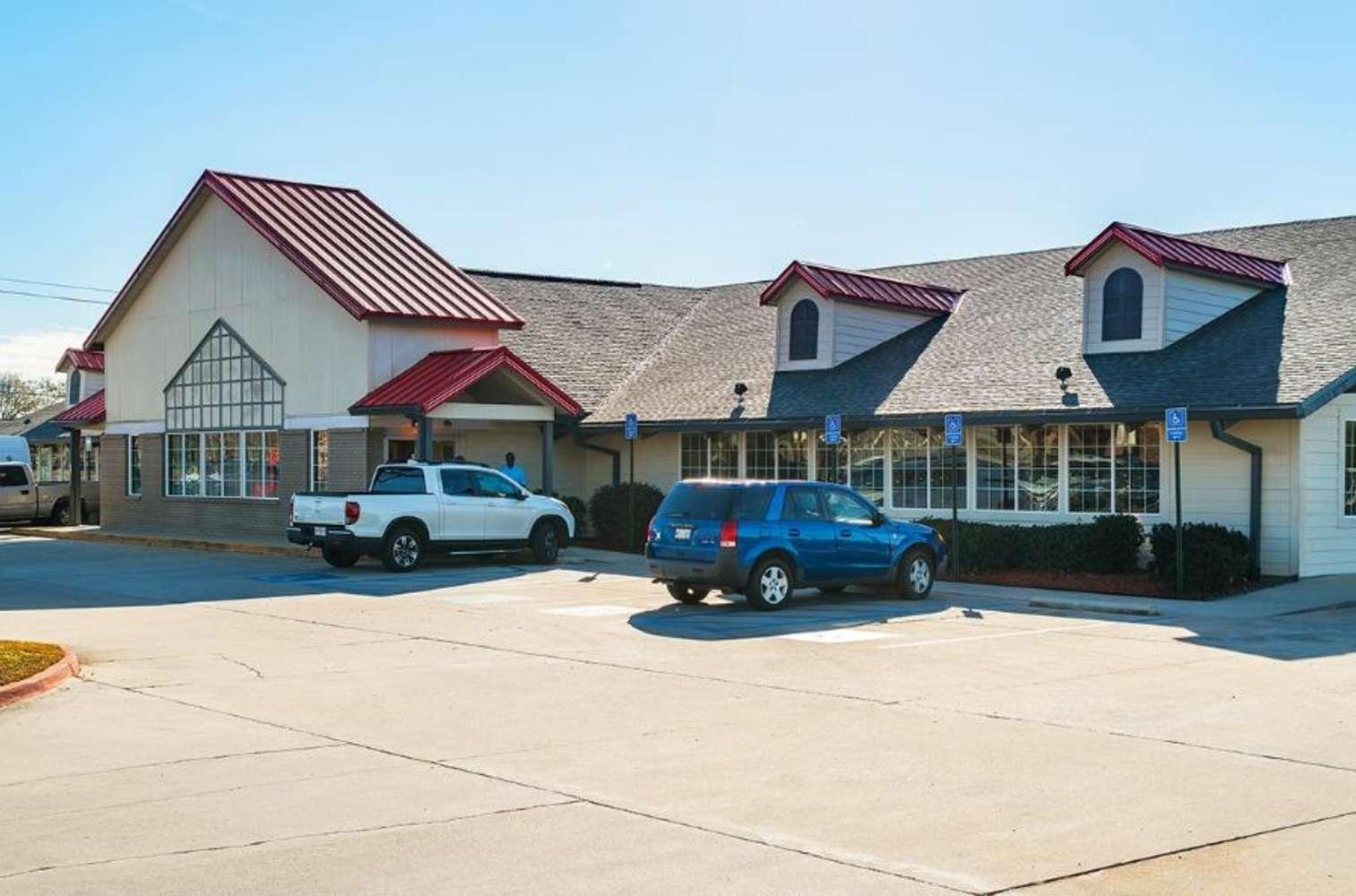 Retail Gulfport, 39503 - Former Golden Corral - Gulfport, MS