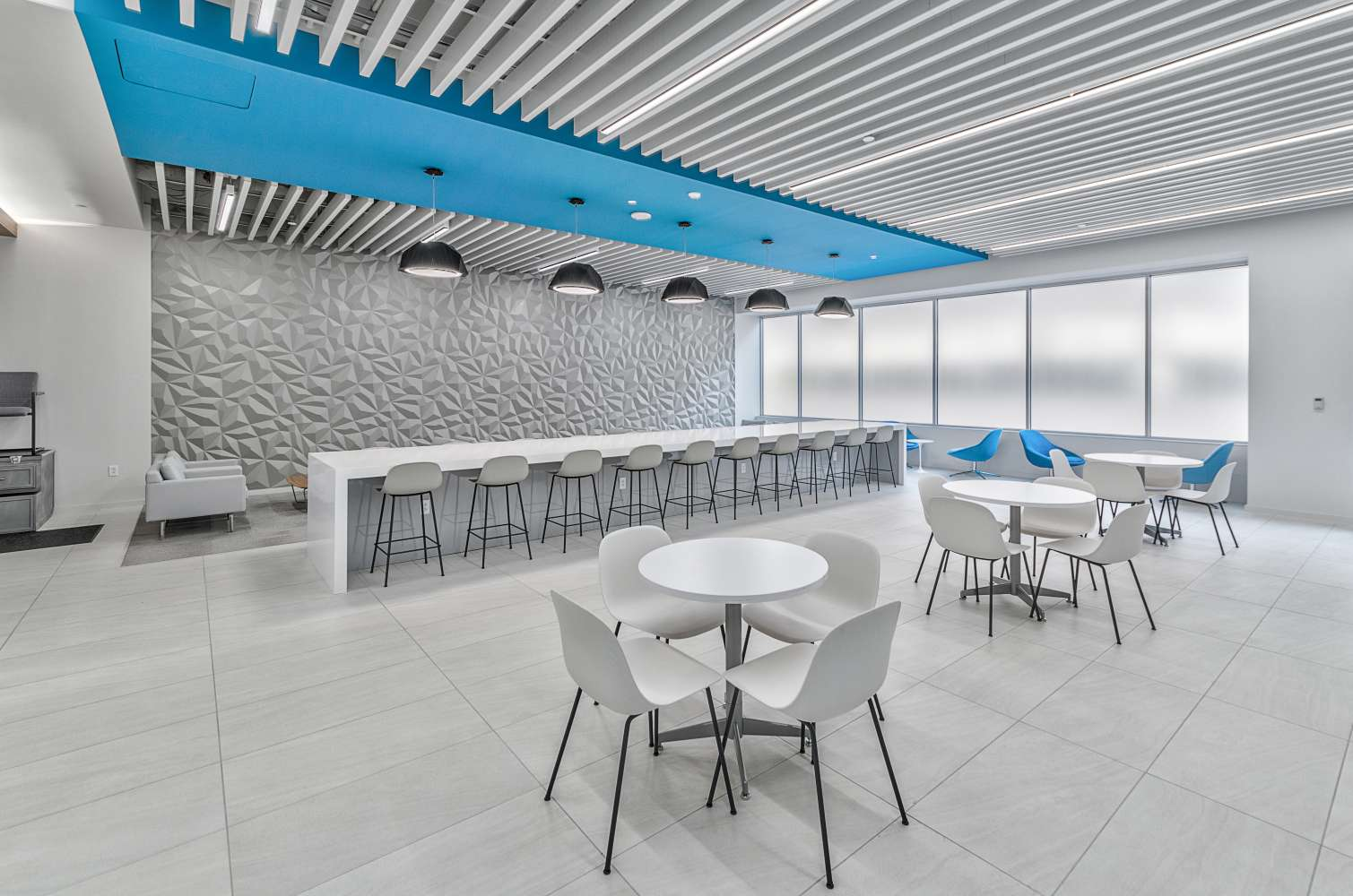 Office Dallas, 75206 - Two Energy Square