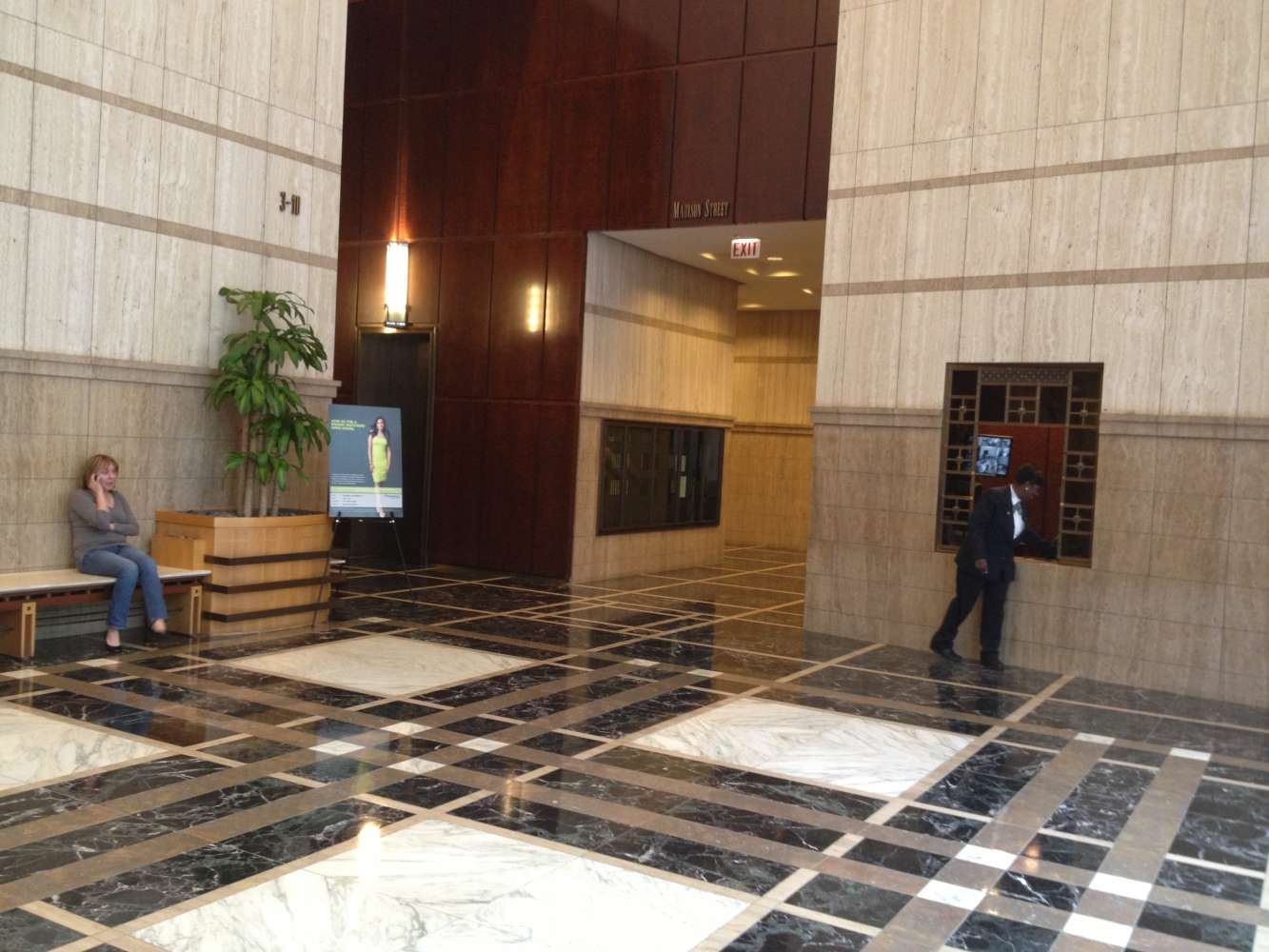 Office Chicago, 60606 - PNC Centre at One North Franklin