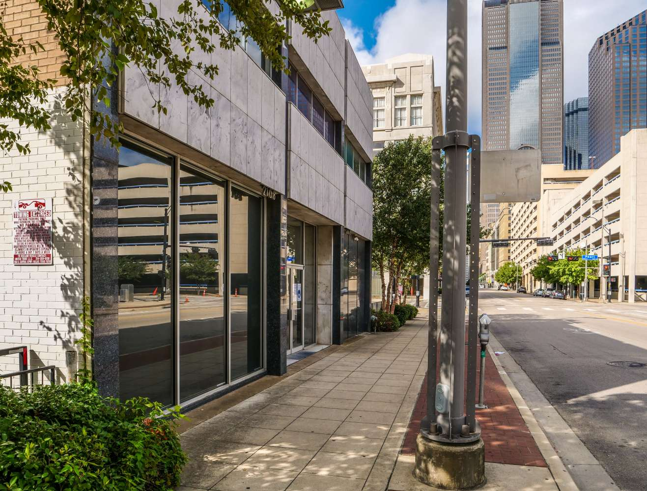 Office Dallas, 75201 - 2106-2108 Main St