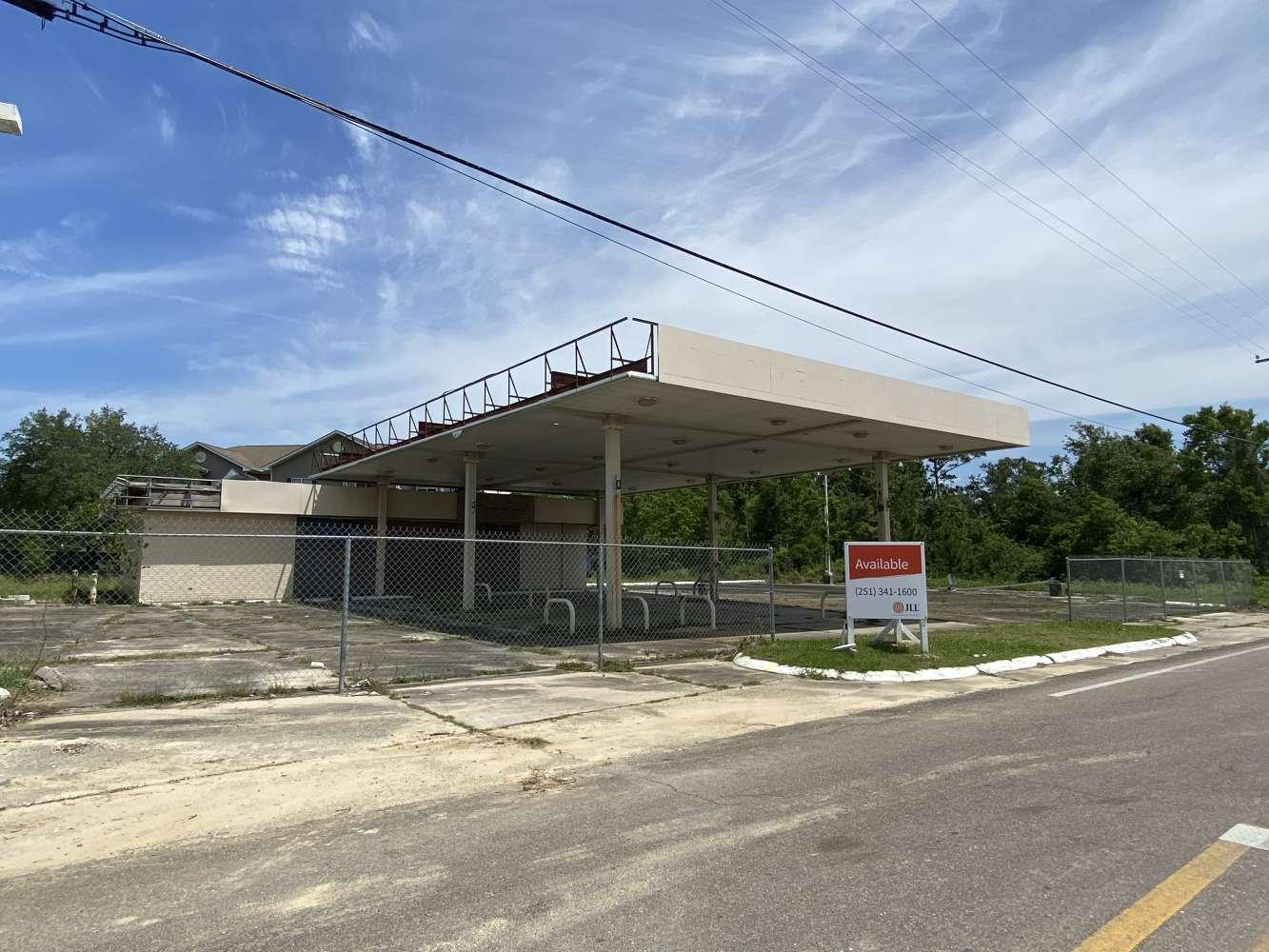 Retail Bay st louis, 39520 - 400 US Highway 90