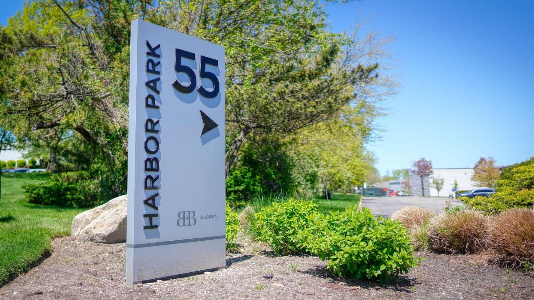 Industrial Port washington, 11050 - 55 Harbor Park Dr
