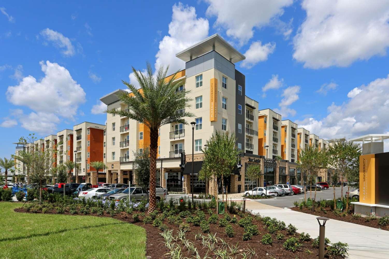 Retail Orlando, 32817-2116 - Plaza On University