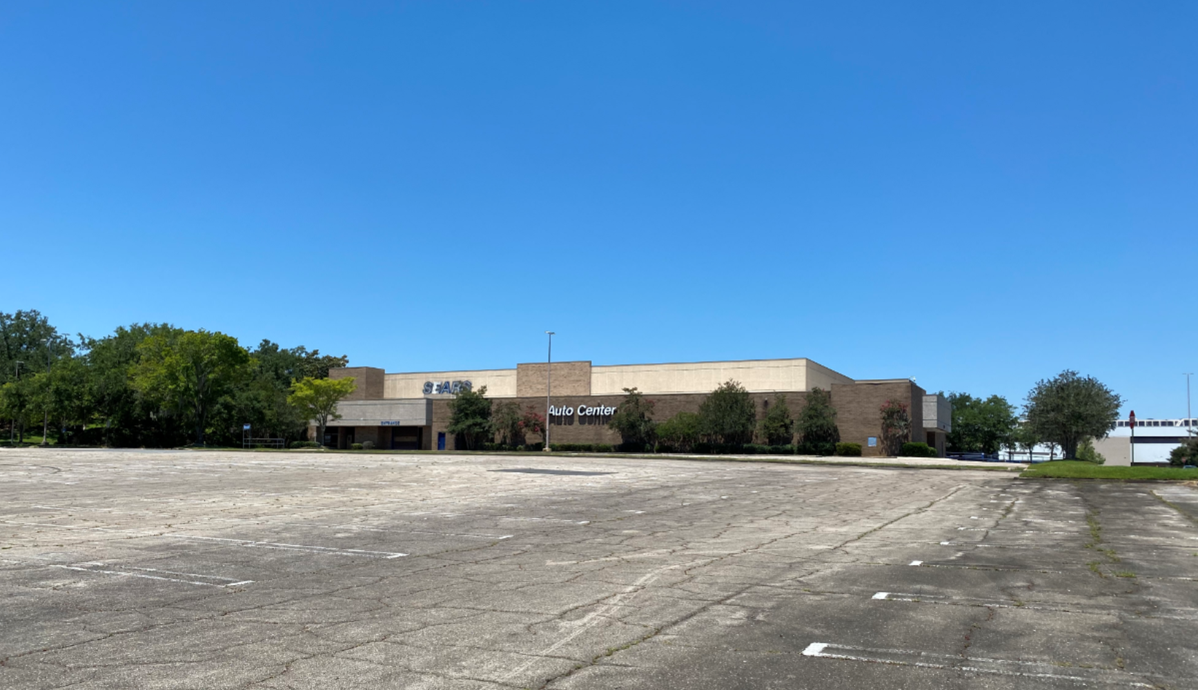Retail Tallahassee, 32301 - 1500 Apalachee Pkwy