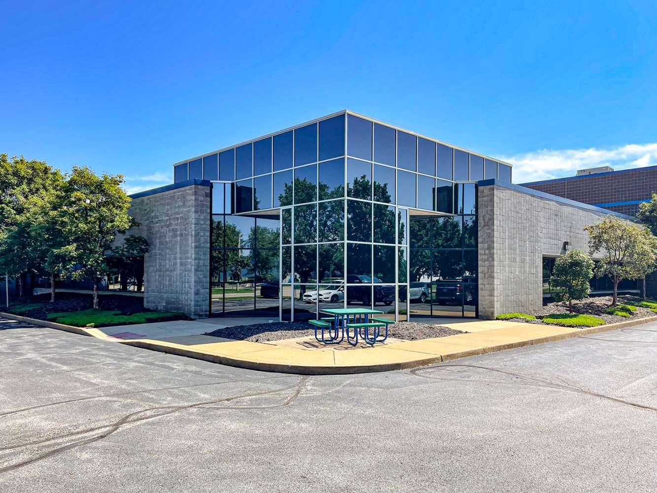 Office Chesterfield, 63005 - 17988 Edison Ave