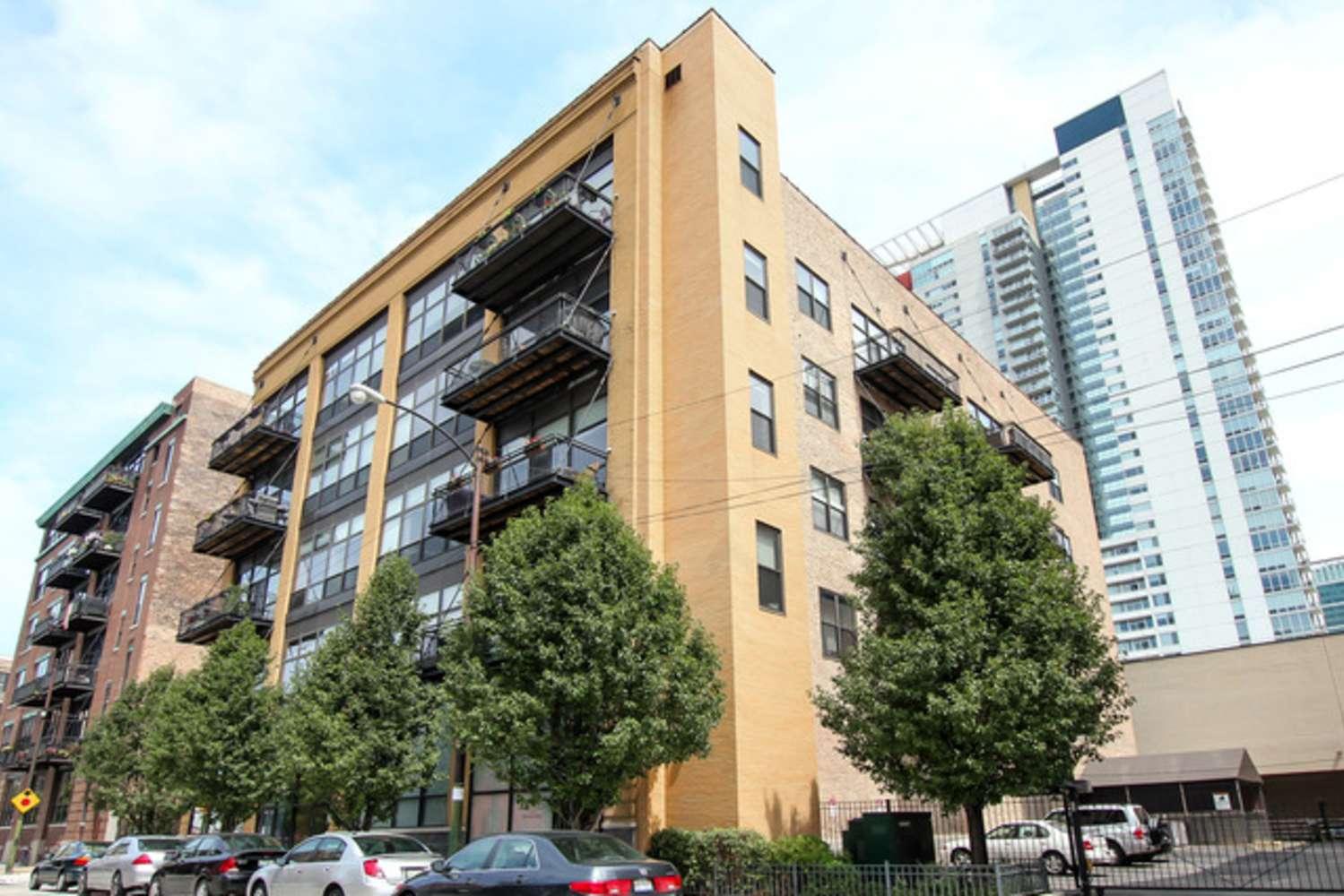 Office Chicago, 60607 - 19-27 N Green St