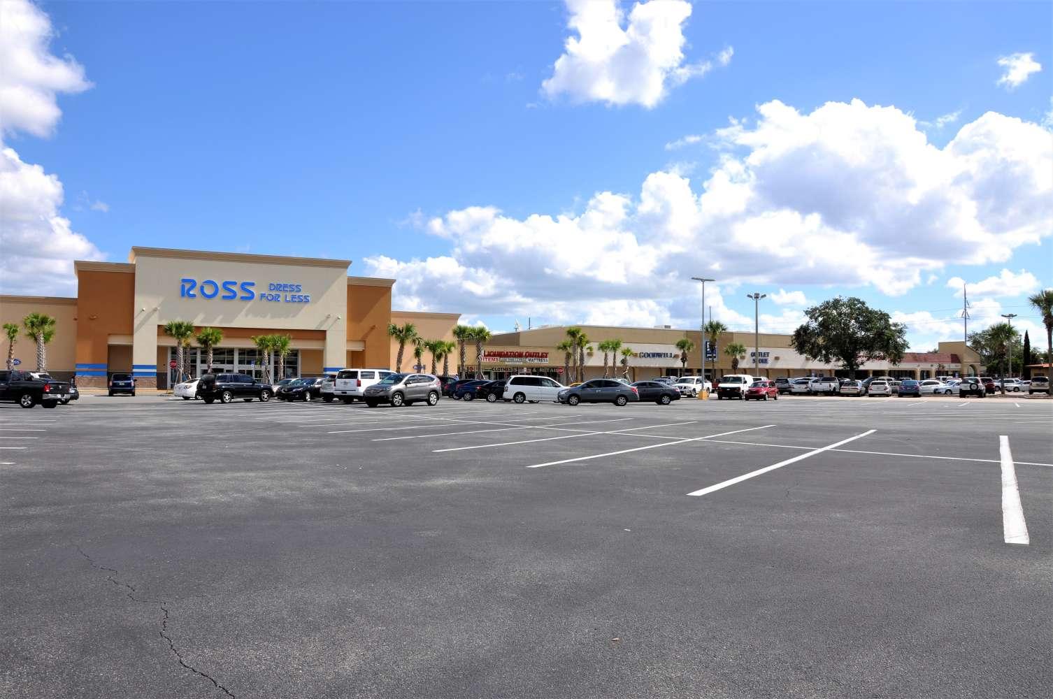Retail Orlando, 32809-6907 - Skyview Plaza