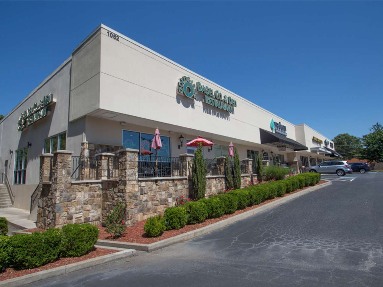 Retail Marietta, 30068-5522 - 1062 Johnson Ferry Rd