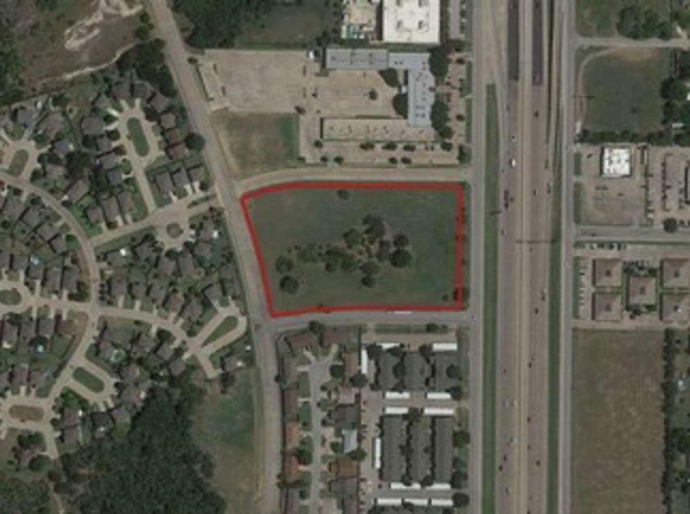 Land Fort worth, 76112 - 6799 Vistaview Dr