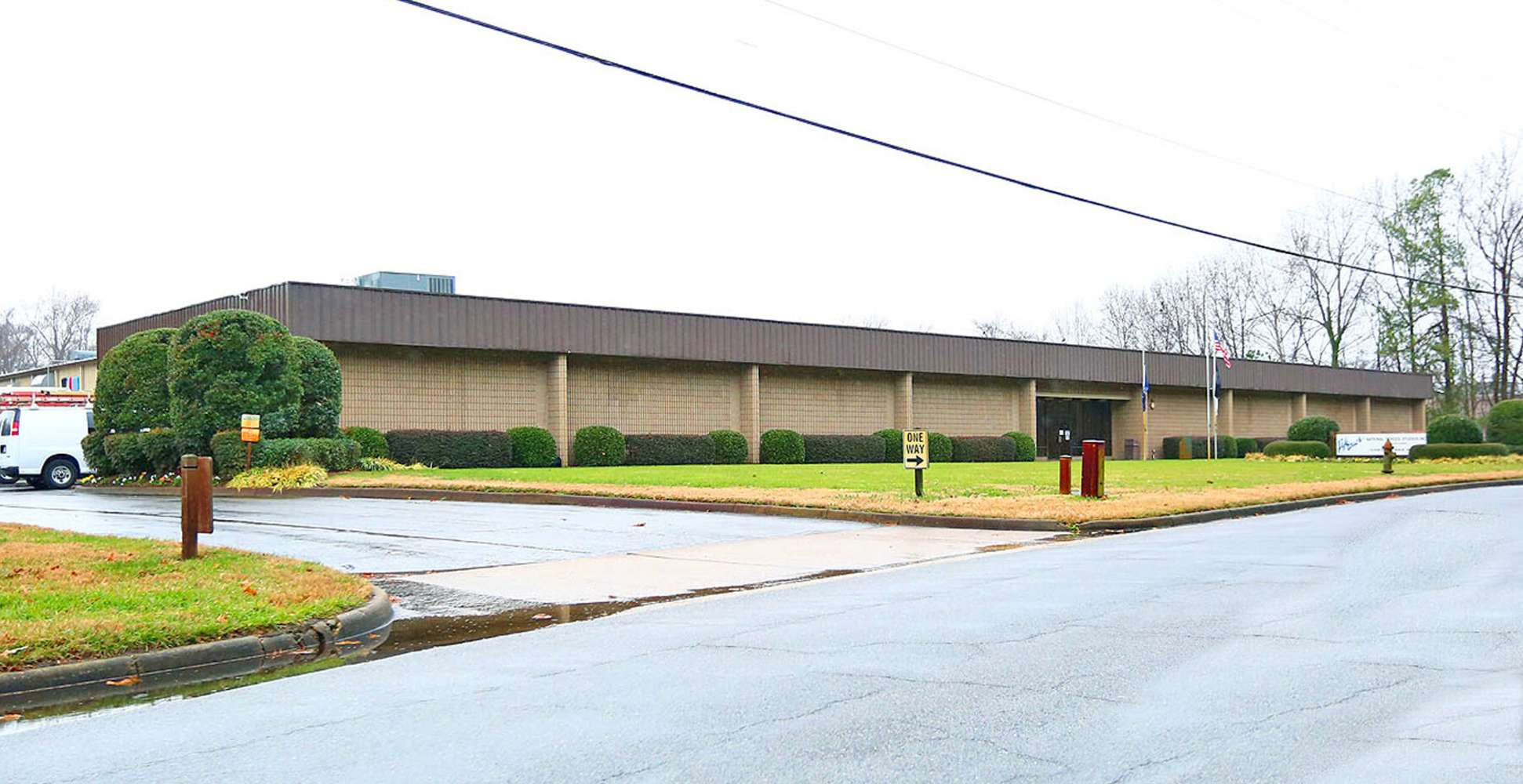 Industrial Chesapeake, 23320 - 2210 Paramont Ave