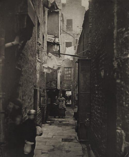 Close No. 37 High Street Annan, Thomas  (Scottish, 1829-1887)
