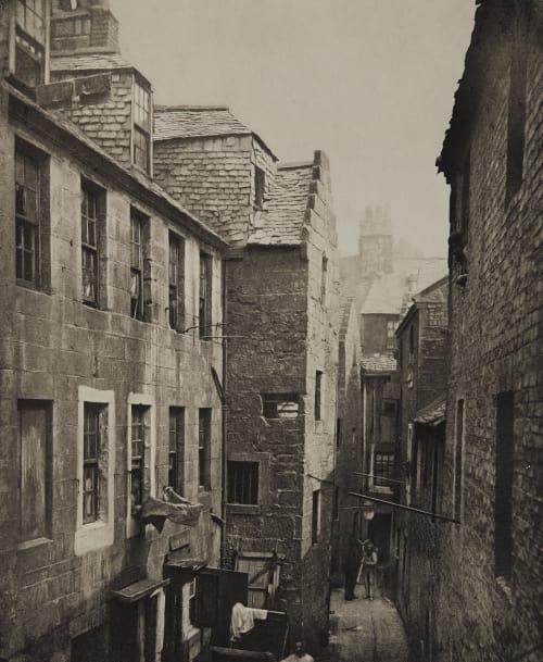Close No. 122 Saltmarket Annan, Thomas  (Scottish, 1829-1887)