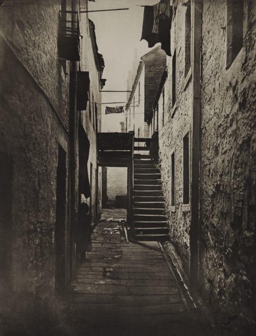 Close No. 128 Saltmarket Annan, Thomas  (Scottish, 1829-1887)