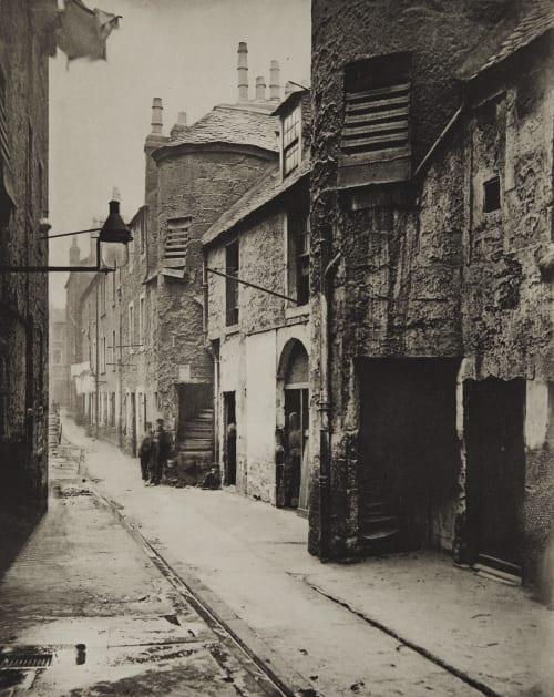 Close No. 139 Saltmarket Annan, Thomas  (Scottish, 1829-1887)