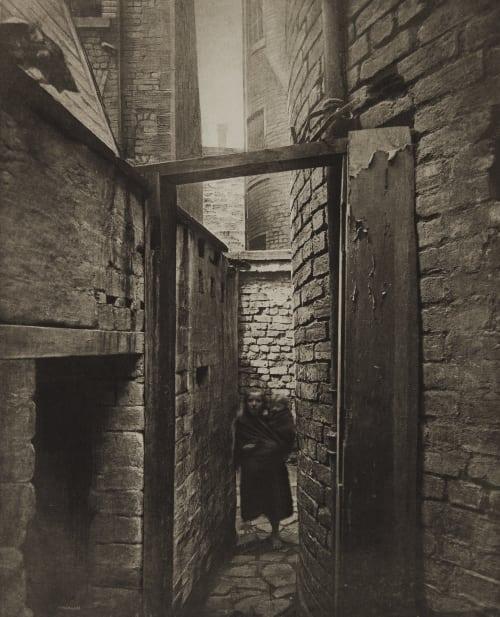 Close No. 11 Bridgegate Annan, Thomas  (Scottish, 1829-1887)