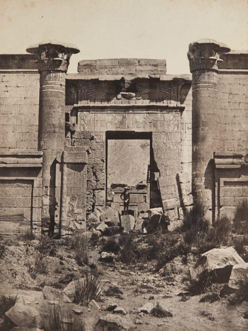 Thèbes: Médinet-Habou, Propylées du Thoutmoseum Du Camp, Maxime  (French, 1822-1894)