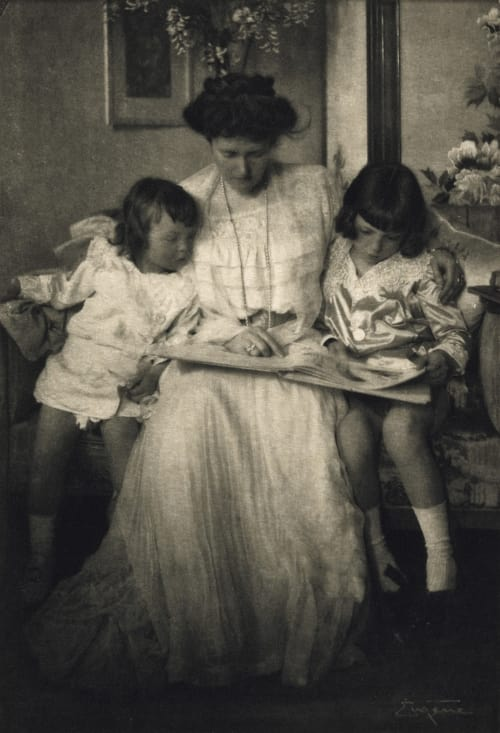 Princess Rupprecht and Her Children Eugene, Frank  (American, 1865-1936)