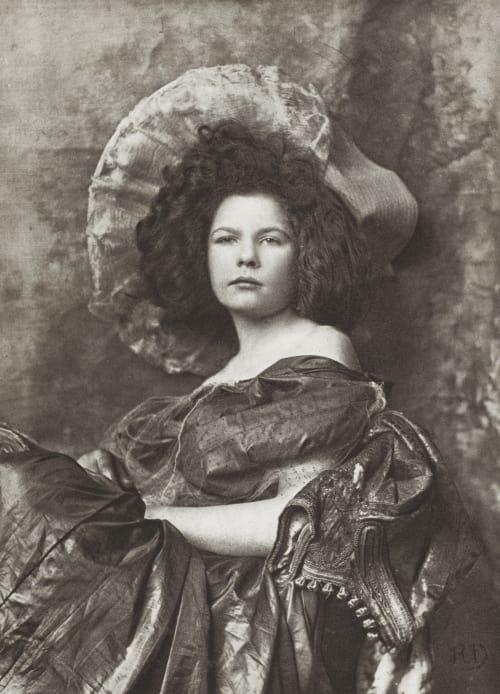 Etude de Femme (Buste) Demachy, Robert  (French, 1859-1936)
