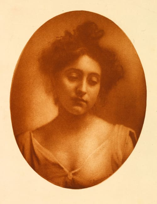 Medaillo, sanguine Marissiaux, Gustave  (Belgian, 1872-1929)