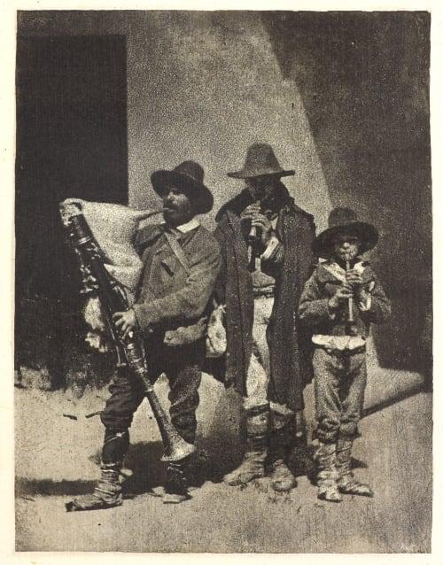 Groupe de trios pifferari ebout, dans la cour du 21 Quai Bourbon Negre, Charles  (French, 1820-1880)