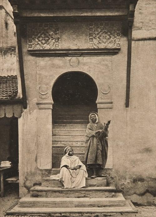 Entrée d'une vieille Mosquée Rothschild, Nathaniel Mayer von  (Austrian, 1836-1905)