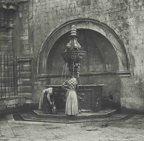 Antiker Brunnen in Ragusa. Rothschild, Nathaniel Mayer von  (Vienna, 1836-1905)