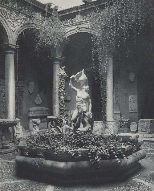 Hof des Museums in Palermo. Rothschild, Nathaniel Mayer von  (Vienna, 1836-1905)