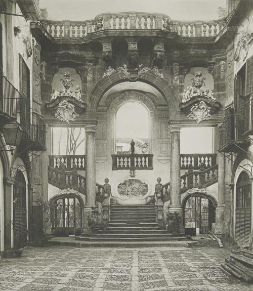 Hof des Palazzo Bonaggia in Palermo. Rothschild, Nathaniel Mayer von  (Vienna, 1836-1905)