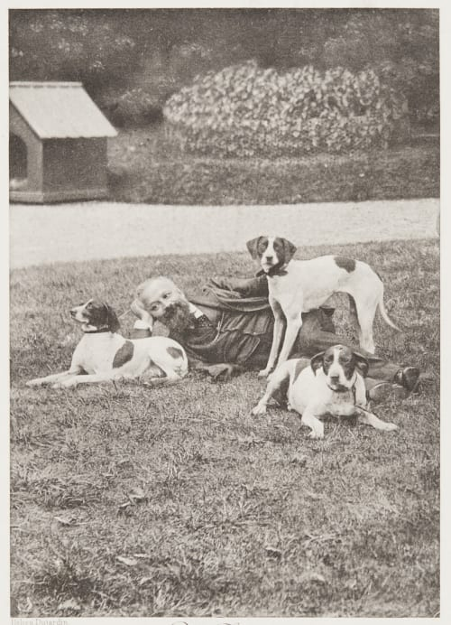Paul Tannery el ses chiens de chasse 1902 manufacture des Tabaco-Pantin Unknown