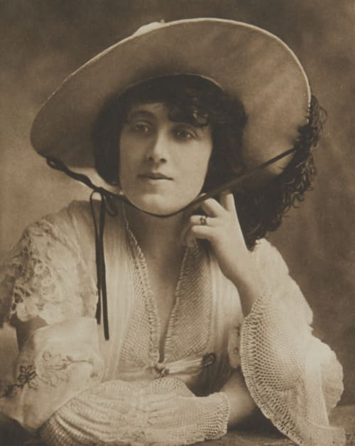 Miss Julia Neilson Various