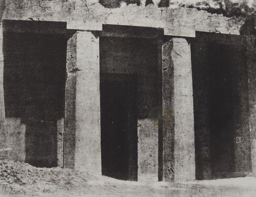 Hypogées de Beni-Hassan. Commencement de L'Ordere Dorique. Haute-Égypte