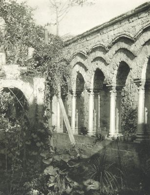 Kreuzgang von San Giovanni Degli Eremiti in Palermo.